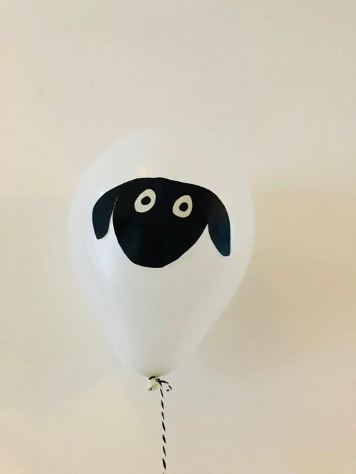 Ballonnen maken in thema schaap - versiering offerfeest - ballon met helium-1