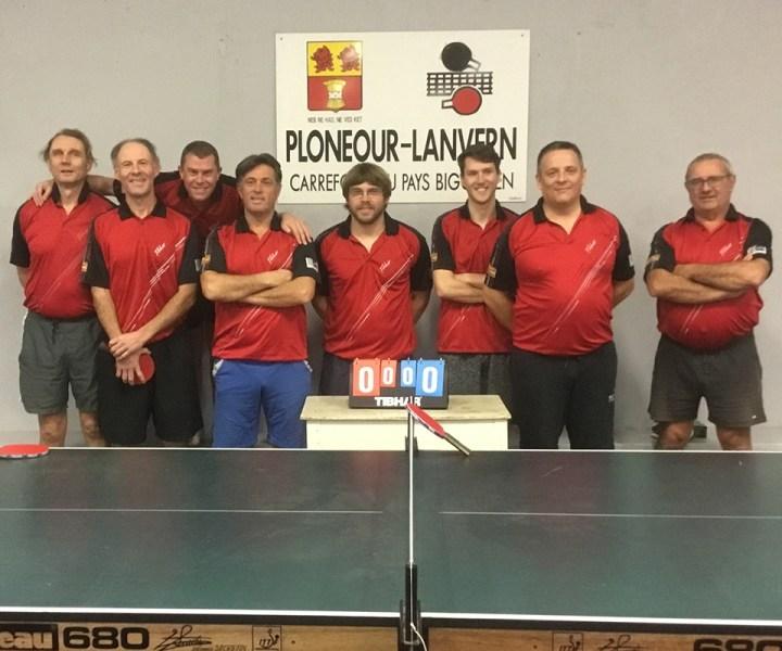 De gauche à droite : Marcus Cüster, Renaud Le Pemp, Frédéric Joncour, Pascal Bodolec, Steven Renavot, Gurvan Buanic, Stéphane Morvan, Hervé Le Berre
