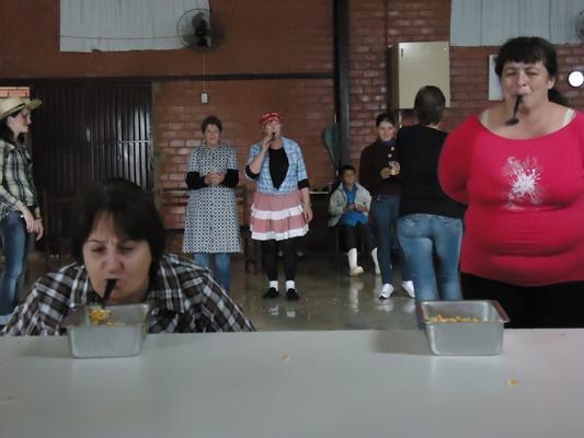 Resultado de imagem para corrida do milho festa junina