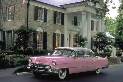 Graceland è la tenuta di Elvis Presley che si trova al numero 3734 del Boulevard Elvis Presley a Memphis, nel Tennessee, dove il cantante ed attore visse a lungo e dove è sepolto. È la seconda residenza più famosa e visitata degli Stati Uniti dopo la Casa Bianca