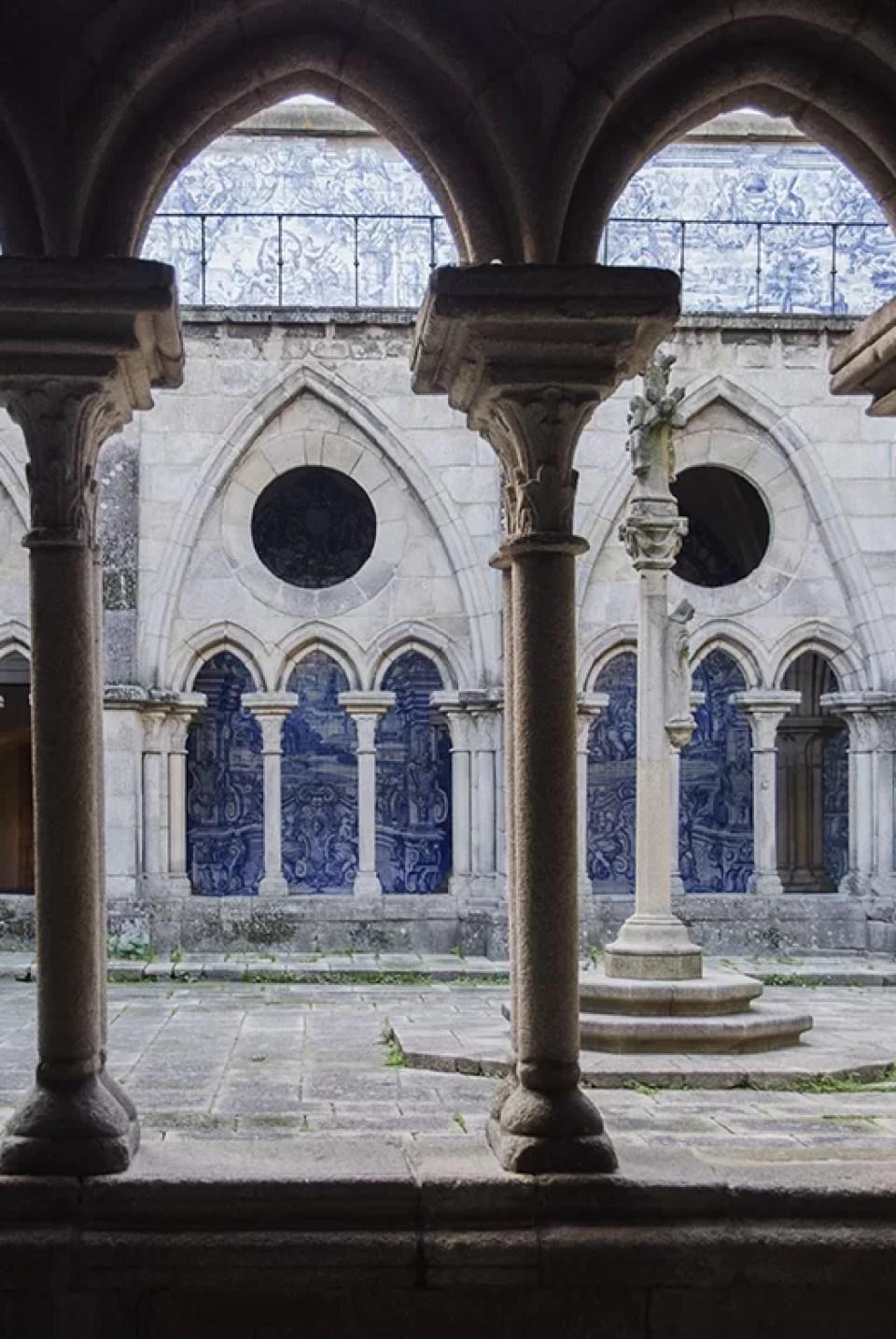 Kruzganek katedra w porto