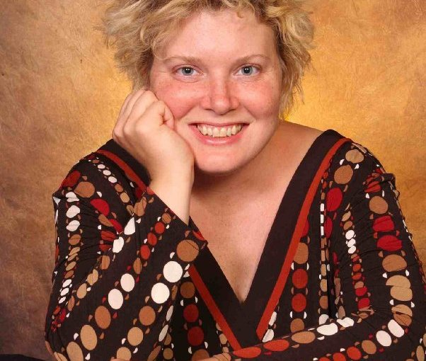 Image of Jennifer Lien who played Kes on Star Trek Voyager.