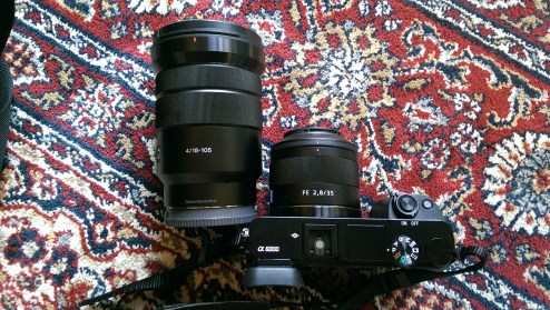 Size comparison between the The Sony / Zeiss 35mm F/2.8 and the SELP18105G