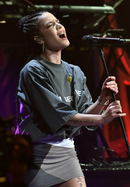 SUNRISE, FL - DECEMBER 17:  Halsey performs at Y100's Jingle Ball 2017 at BB&T Center on December 17, 2017 in Sunrise, Florida.  (Photo by Gustavo Caballero/Getty Images for iHeartMedia)
