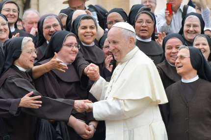 Pope Francis greets nuns at the end of a weekly general audience at St Peter's square on May 9, 2018 in Vatican. (Photo by Tiziana FABI / AFP) (Photo credit should read TIZIANA FABI/AFP/Getty Images)
