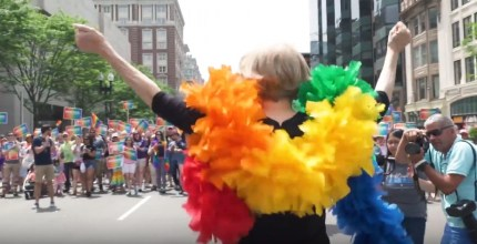 Elizabeth Warren LGBT rights record: Democratic Senator dancing at Boston Pride in 2018