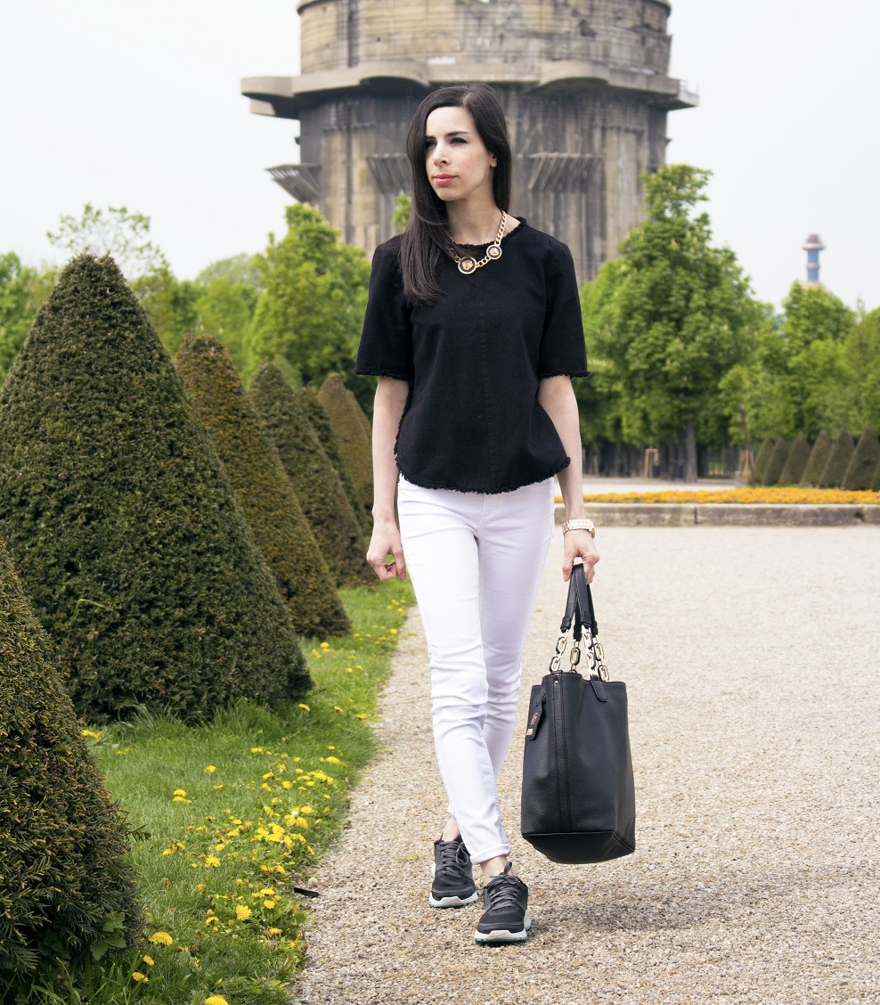 Karl Lagerfeld black tote bag augarten white jeans