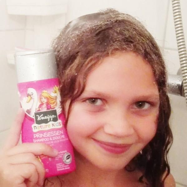 Fotor 143817224258055 600x600 - Roze Shampoo&Douche gel