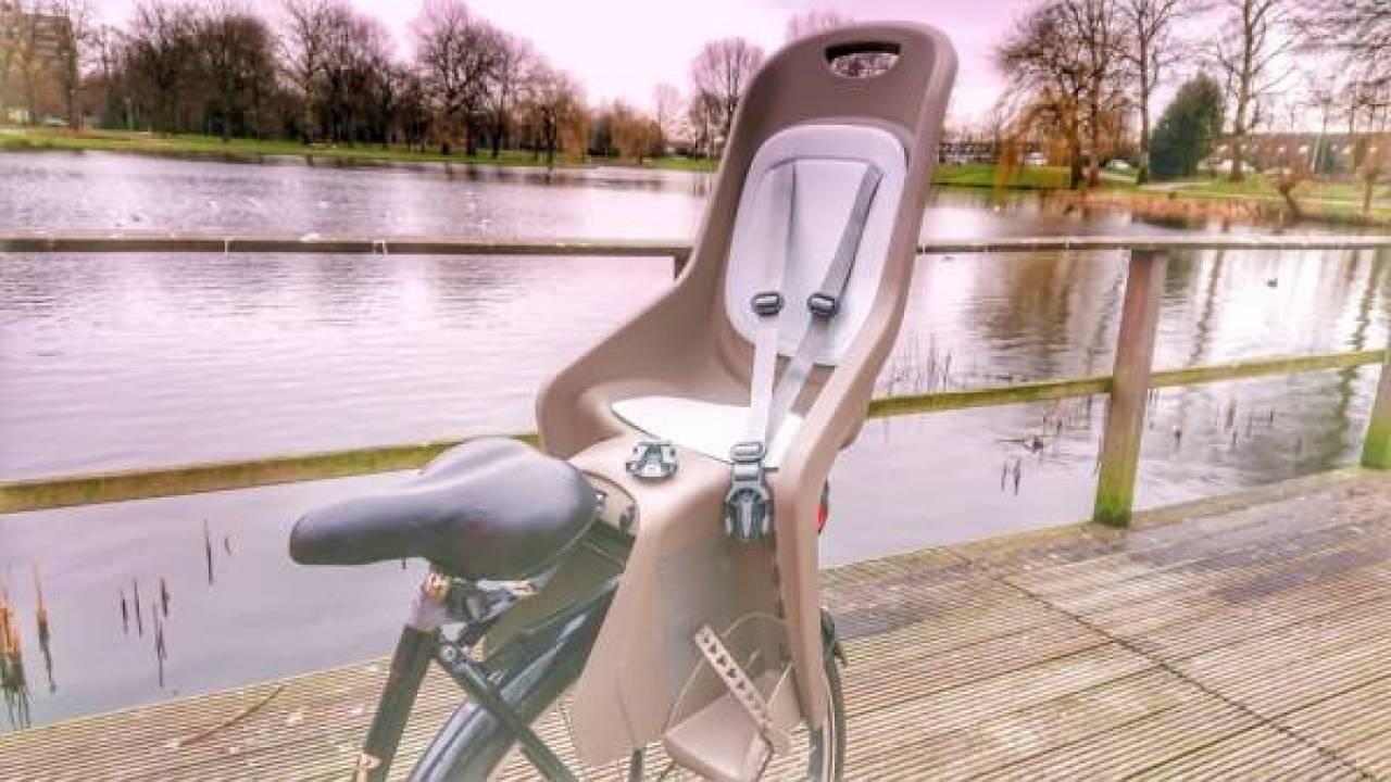 DSC 1380 01 - Review | Polisport Bubbly Maxi+ fietsstoeltje voor achterop de fiets