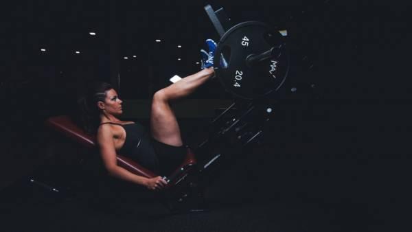 gewichtheffen - Vrouwen en krachttraining: slanker, strakker en keiharde billen