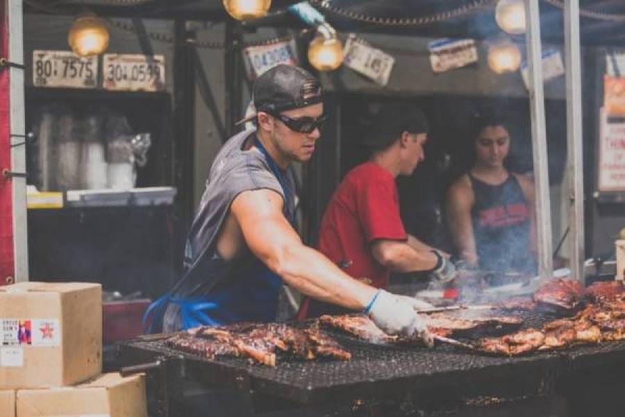 Spareribs kip grill Unsplash1470858831619 ScottMadore - De jarige job (9) wil uit eten