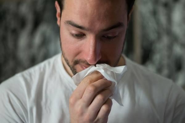 man tissue Unsplash1529386317747 BrittanyColette - Het eind is in zicht!