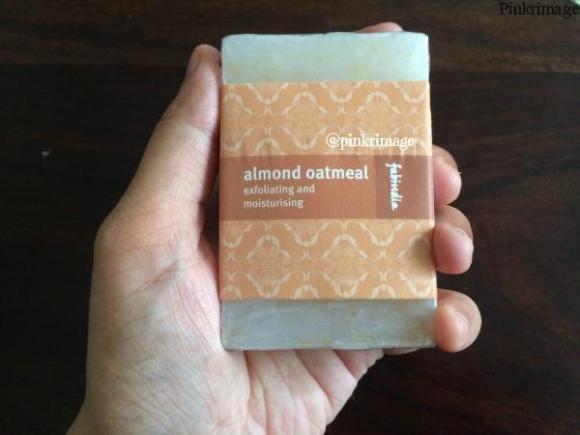 Fabindia Almond Oatmeal Soap Bar – Review