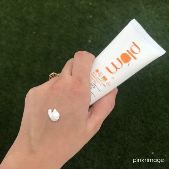 Plum Chamomile & White Tea Sheer Matte Day Cream
