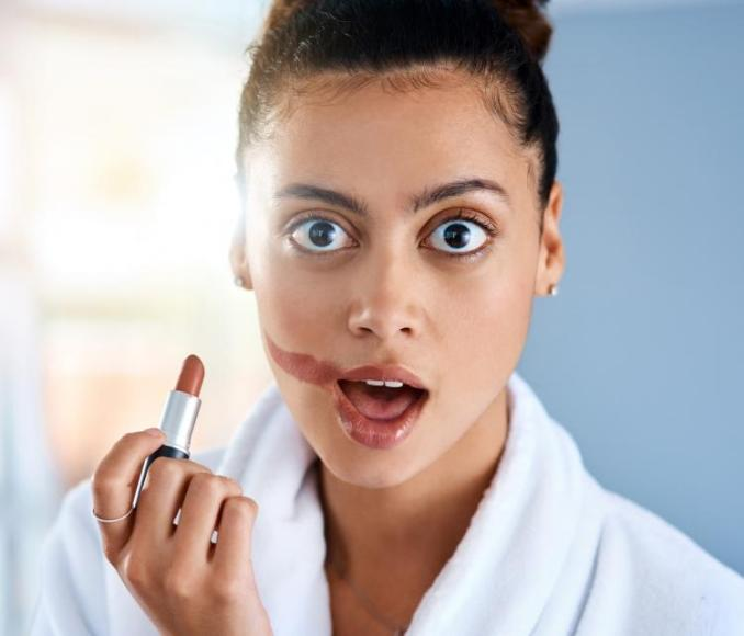 7 Most COMMON mistakes amateurs make while applying makeup revealed by celeb makeup artist