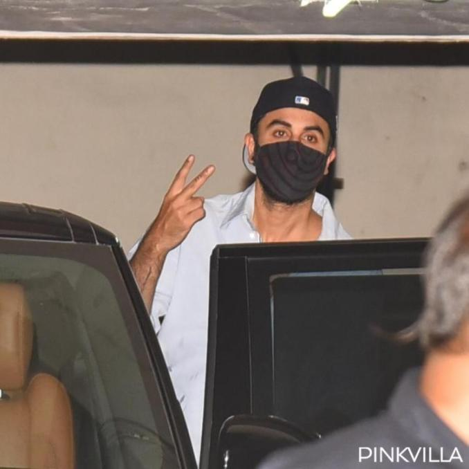 Ranbir Kapoor exudes charm in a cool and casual avatar