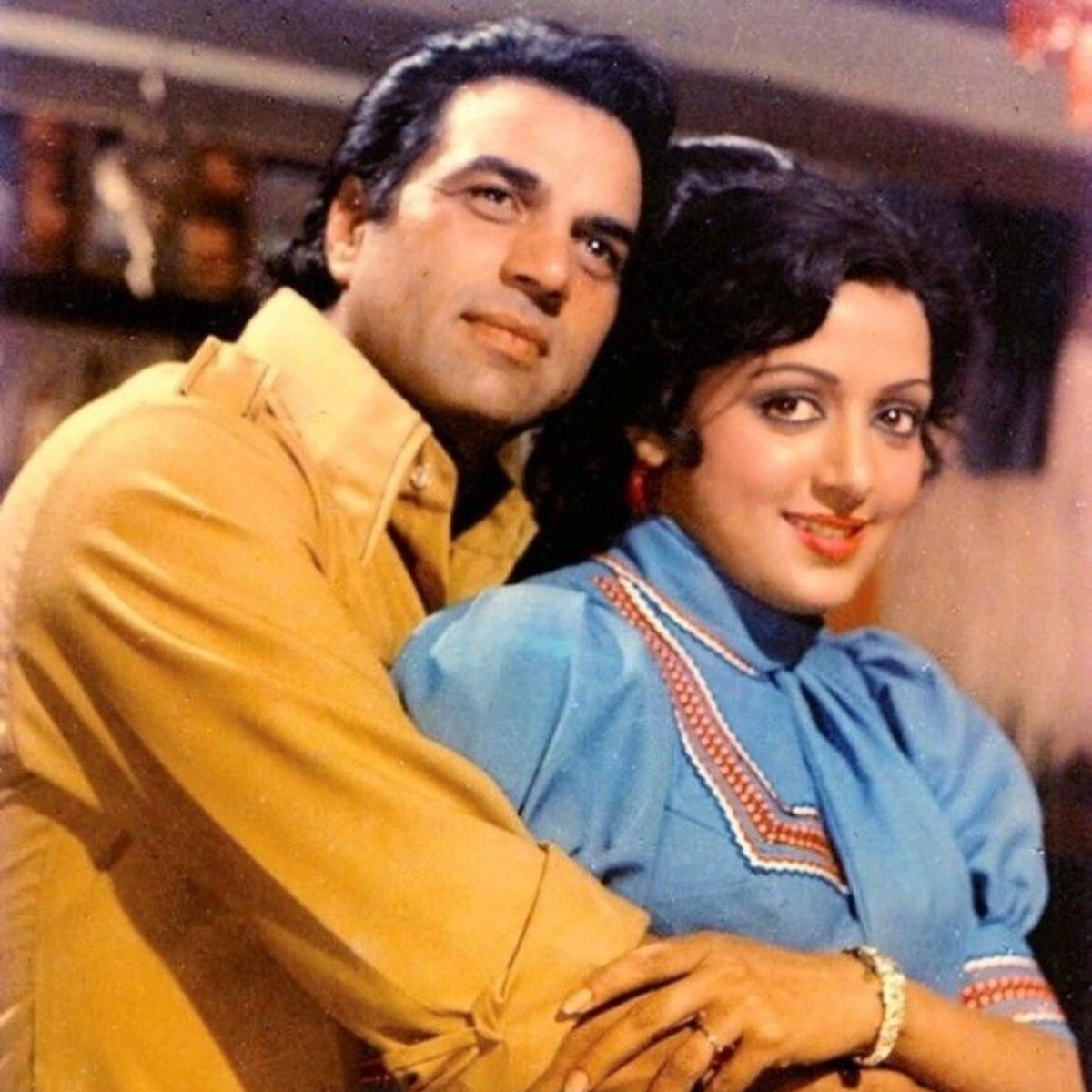 Dharmendra and Hema Malini's iconic love story will win your hearts, Check  it out