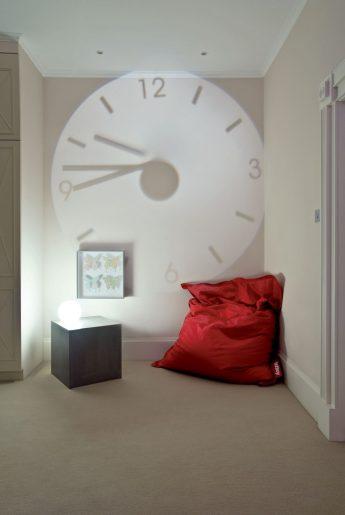 house_111_clock