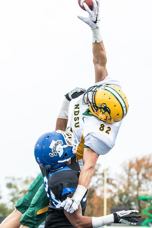 Zach Vraa goes up for a pass in the end zone for the North Dakota State Bison at Indiana State on October 24, 2015