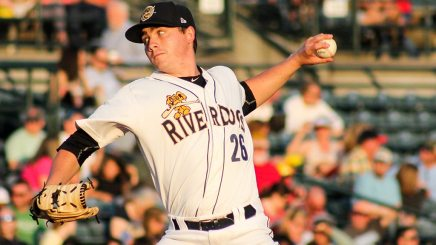 Justin Kamplain pitching for the Charleston RiverDogs (© Wickedgood   Dreamstime.com)