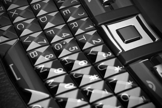 Vertu - Ferrari, Constellation Quest Sapphire Keyboard