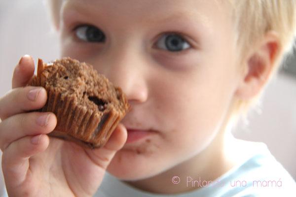 magdalenas-chocolate-rellenas-chocolate1_PinatndoUnaMama