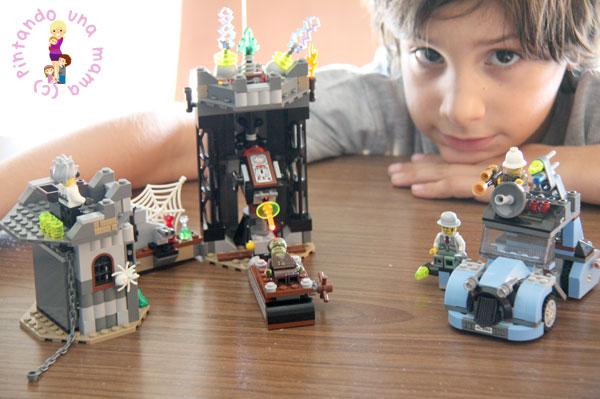 LEGO_ElCientificoLoco2_PintandoUnaMama