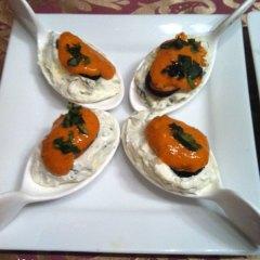 Cucharitas de Mejillones con Crema de Queso a las Finas Hierbas
