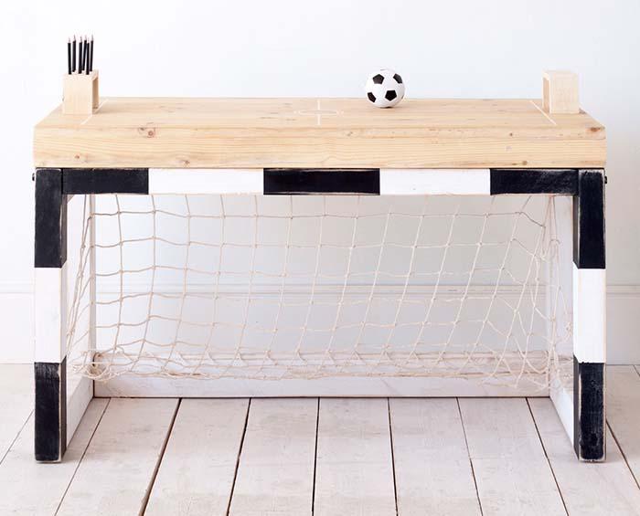 Mesa de Estudio en Forma de Porteria de Futbol