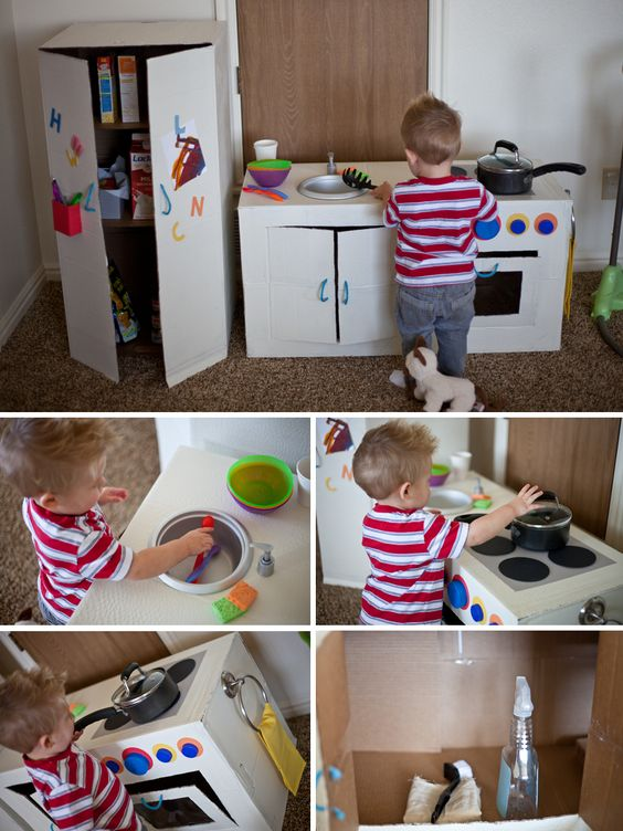 Cocinas con cajas de cart n para ni os pintando una mam - Cajas para cocina ...