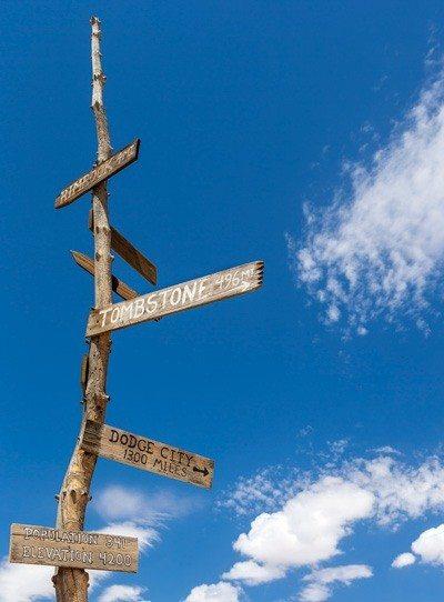 Mane Street sign post