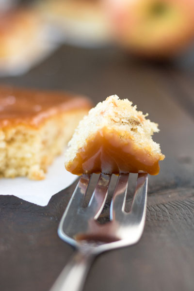 caramel_apple_sheet_cake_pipercooks-93