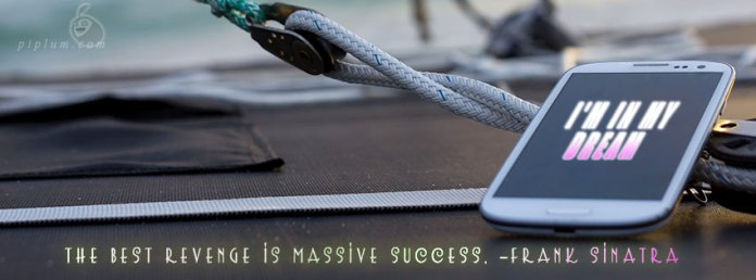 Motivational-Quote-Smartphone-on-the-yacht-luxury