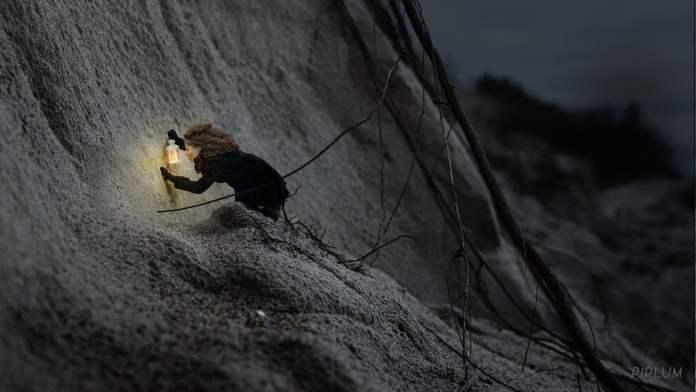 dunes-palanga-love-lantern-art-surreal-photo-manipulation