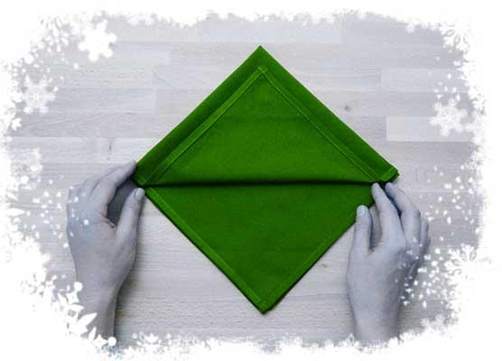 Christmas-tree- folding-tutorial-Foldingup-each-layer-Step 2.