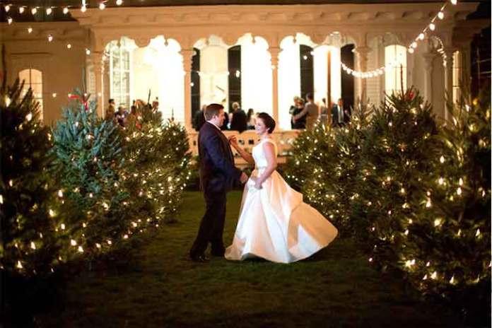 Christmas-wedding-photography-no-snow