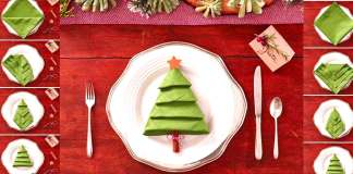 how-to-fold-a-Christmas-tree-napking-folding-tutorial