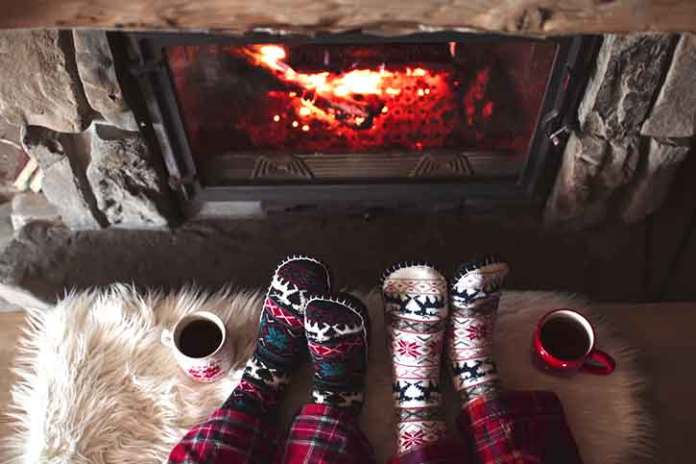 very-cozy-christmas-photo-woolen-socks