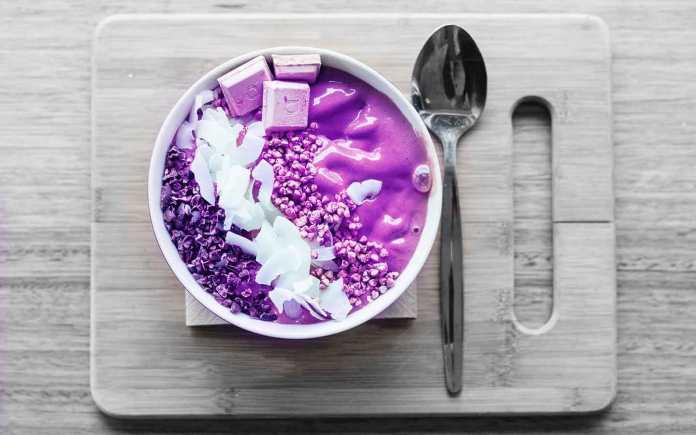 Myth-about-food-comparison-Gluten-free-purple-breakfast