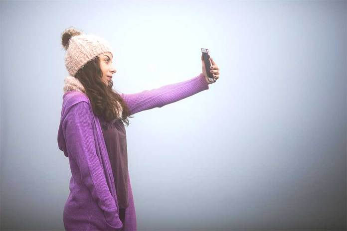 What-Photographers-think-about-taking-selfies