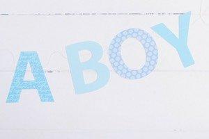 Eine Buchstaben Girlande oder Buchstaben WImpelkette aus Papier zu nähen ist ganz einfach und ist so eine schöne Party Deko. Je nach Anlass zur Geburt, zum Geburtstag, zur Sommerparty, zu Halloween oder Weihnachten.