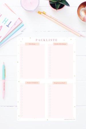Familienurlaub ohne Packliste? Geht bei uns gar nicht! Auf dieser Packliste zum Ausdrucken kannst du alles, was ihr braucht in 8 verschiedenen Rubriken eintragen. Die Packliste gibt es auch im Happy Organizer Paket mit über 43 Organisationsseiten für alle Bereiche deines Mami Alltags: Rezeptkarten, Tagesplaner, Fitness Tracker, Finanzplaner, Geburtstags-Checkliste, Wochenplan, Putzplan, Einkaufslisten, Speiseplan und vieles mehr!