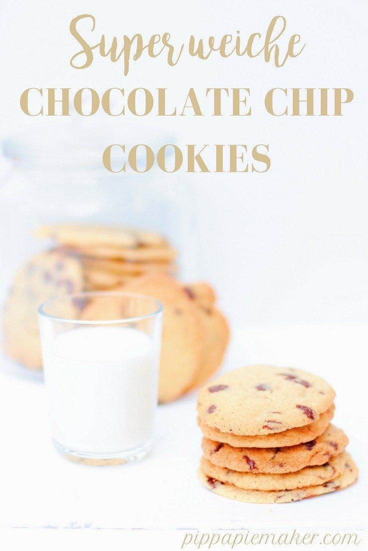 Weiche Chocolate Chip Cookies sind meine Schwäche! Und dieses ist mein absolutes Lieblingsrezept, weil die Kekse so richtig schön soft sind, wie sie sein sollen. Gelingt immer und ist super schnell gemacht!