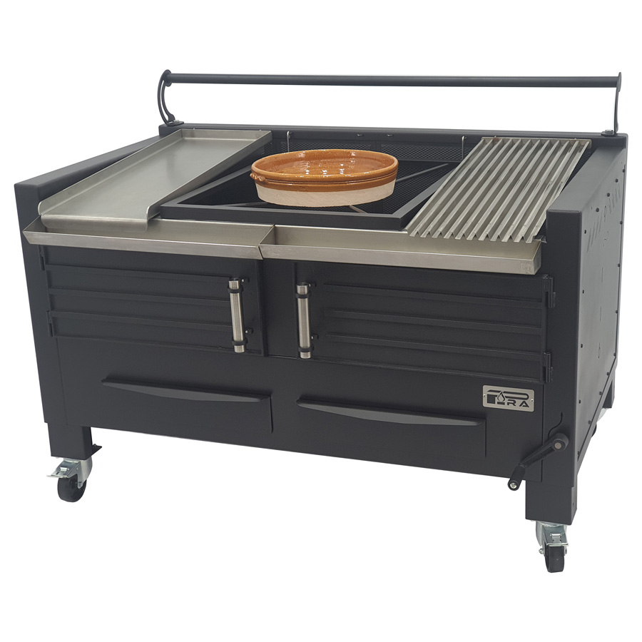 Pira M150 Barbecue with Half Griddle plate, casserole and Half Grooved Grill