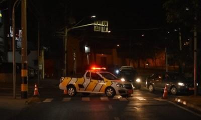 Acidente deixa parte de avenida sem luz, em Piracicaba