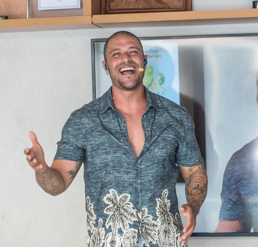 Após show de Ana Carolina, Diogo Nogueira faz live com roda de samba