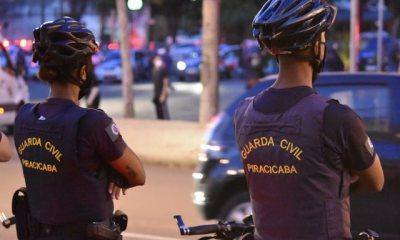 Jovens protestam contra governo em Piracicaba