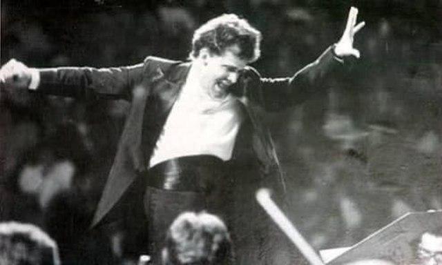 uma foto do maestro Benito Juarez
