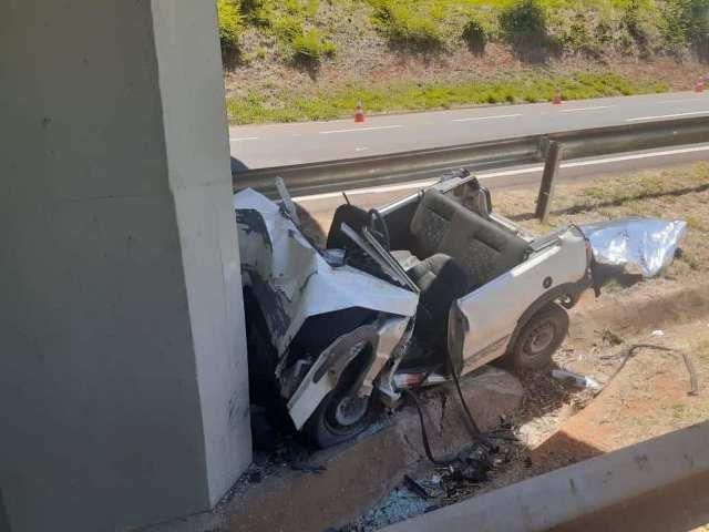 Homem morre em Piracicaba após colidir em pilar de viaduto