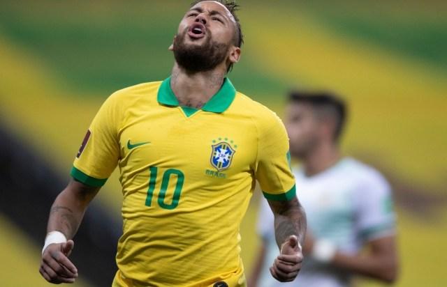 Uma foto de Neymar jogando pelo Brasil